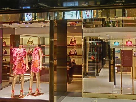 10 thương hiệu thời trang được yêu thích nhất thế giới